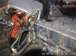 小轿车侧翻1人被困 嵩明消防快速营救 - 消防网