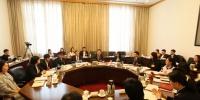 市第十四次团代会代表继续深入学习市委领导讲话精神,讨论工作报告 - 共青团