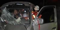 2车相撞导致2人被困 云南宾川消防紧急救援 - 消防网